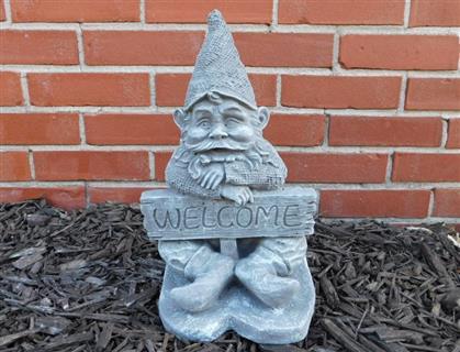 Welcome Gnome Stone Statue