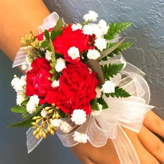 Corsage Wrist - Carnation